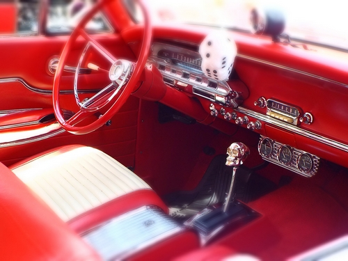 دانلود تصویر باکیفیت ماشین قرمز رنگ 🔥